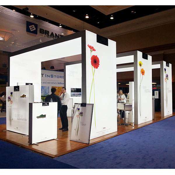 Free Standing Frameless Backlit Light Box Exhibition Stands to USA